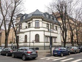 Casa de vânzare 17 camere, în Bucureşti, zona Capitale