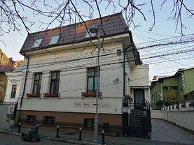 Casa de închiriat 12 camere, în Bucuresti, zona Calea Victoriei