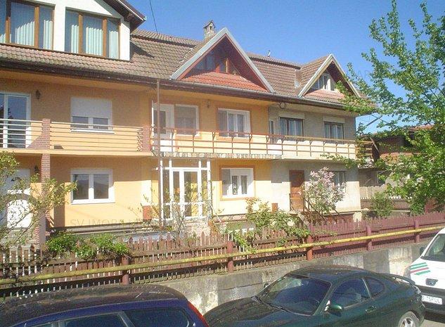 Vand casa superba situata intr-un ansamblu de vile pe Calea Severinului. - imaginea 1