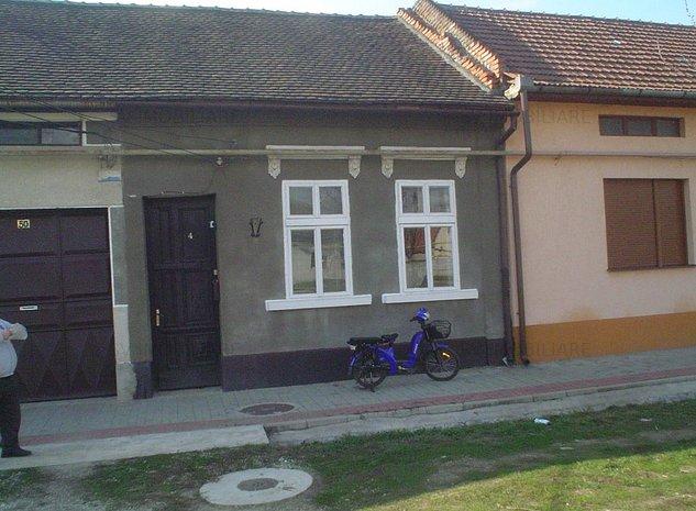 Vand Casa Cu Doua Corpuri + Curte +Teren,Str Calea Severinului,Caransebes - imaginea 1