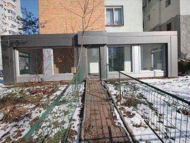 Apartament de închiriat 3 camere, în Slatina, zona Central