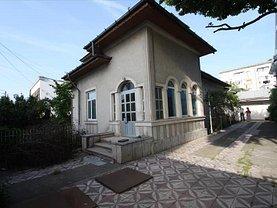 Casa de vânzare 6 camere, în Slatina, zona Ultracentral