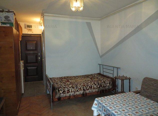 Garsoniera Ostrovului etajul 3, ocupabila - imaginea 1