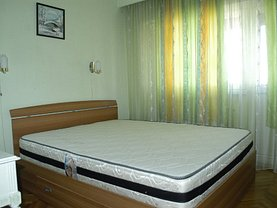 Apartament de vânzare sau de închiriat 4 camere, în Satu Mare, zona Micro 16