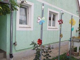 Casa de vânzare 5 camere, în Satu Mare, zona Aurel Vlaicu