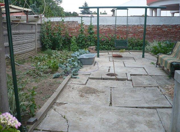 Casa zona Titulescu - imaginea 1