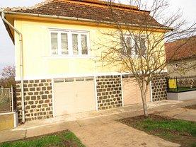 Casa de vânzare 5 camere, în Petreşti