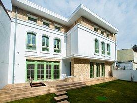 Casa de închiriat 5 camere, în Bucureşti, zona P-ţa Victoriei