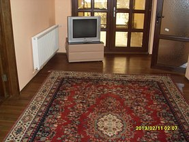 Apartament de închiriat 3 camere, în Targoviste, zona Central