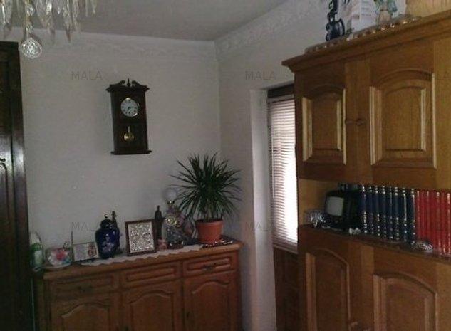 Apartament 3 camere Targoviste Micro 3 - imaginea 1