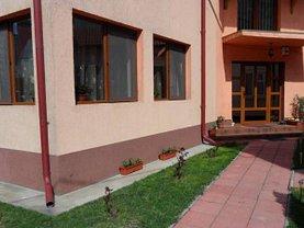 Casa de închiriat 6 camere, în Targoviste, zona Micro 4