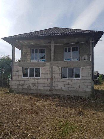 Casa in Marcesti - imaginea 1