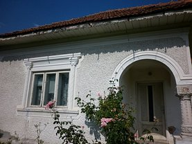 Casa de vânzare 4 camere, în Voineşti