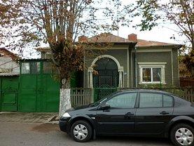 Casa de vânzare 2 camere, în Târgovişte, zona Suseni