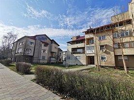 Apartament de vânzare 4 camere, în Bacău, zona Bistriţa Lac