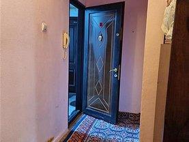 Apartament de vânzare 2 camere, în Bacău, zona Alecu Russo