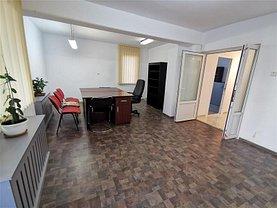 Casa de închiriat 3 camere, în Bacău, zona Ultracentral
