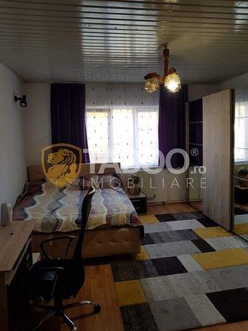 Apartament 2 camere decomandate 99 mp la casa in Cisnadie - imaginea 1