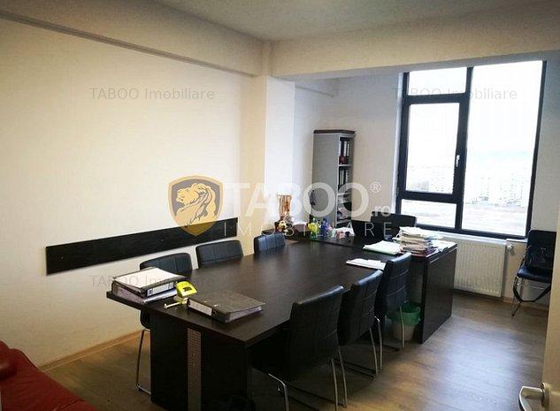 Apartament cu 3 camere 106 mp totali de vanzare in zona Mihai Viteazu - imaginea 1