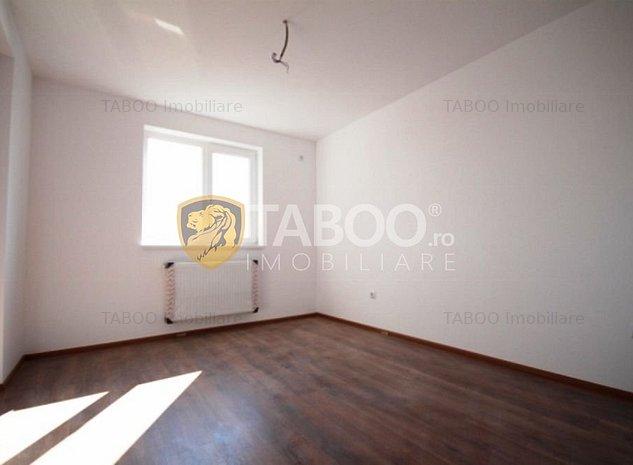 Apartament 3 camere 2 balcoane etaj 1 Calea Cisnadiei comision zero - imaginea 1