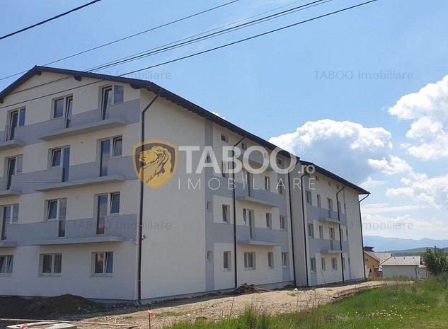 Apartament de vanzare IN RATE cu 2 camere decomandate si loc parcare - imaginea 1