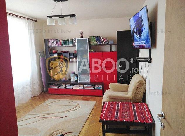De vanzare in Cisnadie zona linistita apartament 2 camere decomandate - imaginea 1