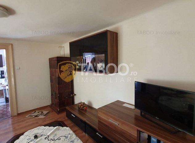 Apartament la casa 2 camere si curte de vanzare Sibiu zona Piata Cluj - imaginea 1