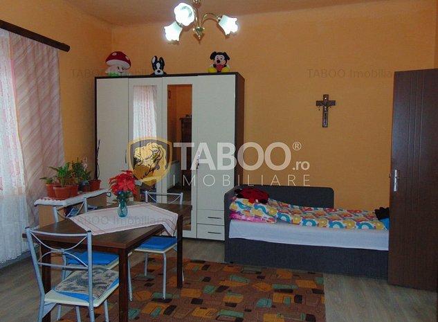 Apartament 2 camere la casa de vanzare in Cisnadie zona Ultracentrala - imaginea 1
