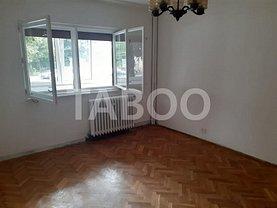Apartament de închiriat 3 camere, în Fagaras, zona Est