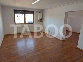 Apartament de vânzare 3 camere, în Şelimbăr, zona Mihai Viteazul