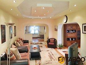 Apartament de vânzare 5 camere, în Sebeş, zona Central