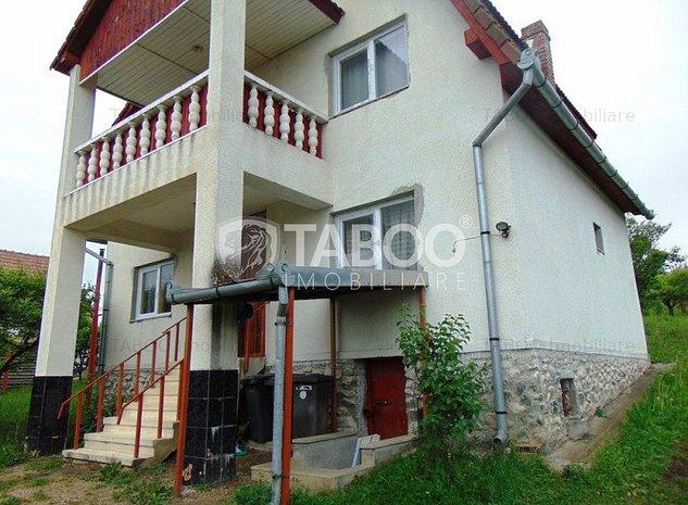 Casa cu 5 camere si 1500 mp teren de inchiriat in Daia Noua Sibiu - imaginea 1