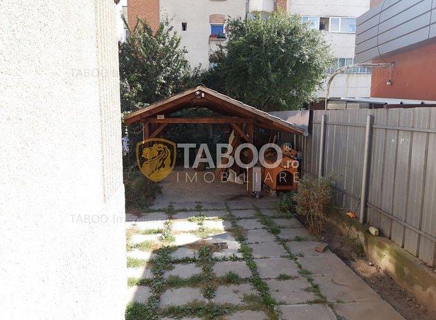Casa individuala de inchiriat 8 camere 2 intrari 280 mp Terezian Sibiu - imaginea 1