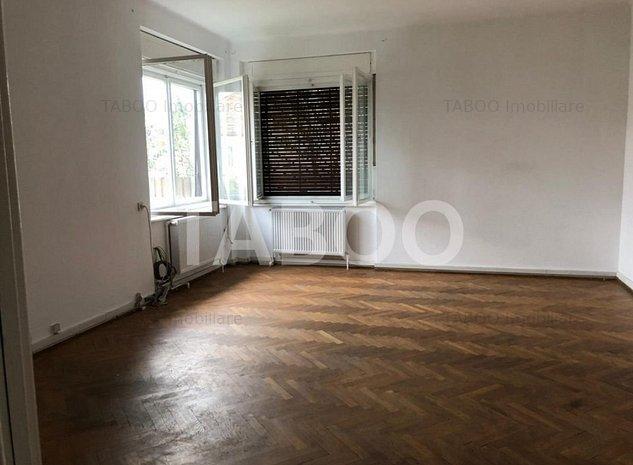 Casa individuala de inchiriat cu 2 camere in zona Centrala din Sibiu - imaginea 1