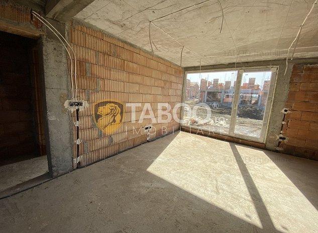 Casa tip duplex de vanzare cu 4 camere si curte de 180 mp in Cisnadie - imaginea 1