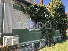 Casa de vânzare 3 camere, în Slimnic, zona Central