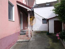 Casa de închiriat 6 camere, în Sibiu, zona Central