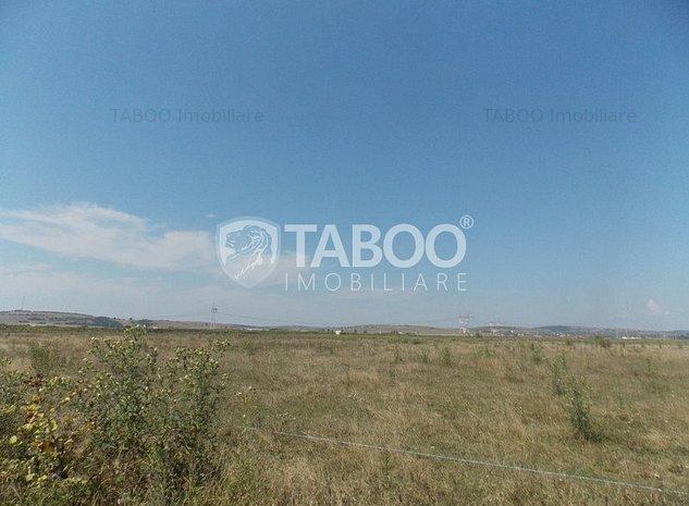 Teren intravilan de vanzare cu suprafata de 412 mp pe Calea Cisnadiei - imaginea 1