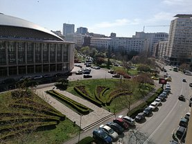 Apartament de vânzare 3 camere, în Bucureşti, zona Sala Palatului