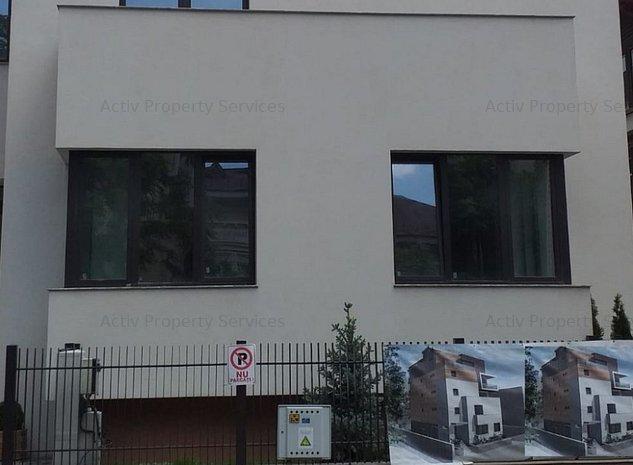 Spatiu comercial de vanzare Str. Roma - imaginea 1