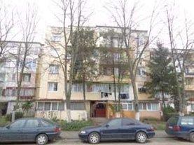 Apartament de vânzare 3 camere, în Satu Mare, zona Carpati 1