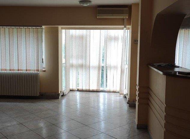 Apartament cu 3 camere  - imaginea 1