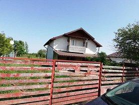 Casa de vânzare 3 camere, în Bradu