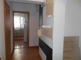 Apartament de închiriat 3 camere, în Iaşi, zona Central