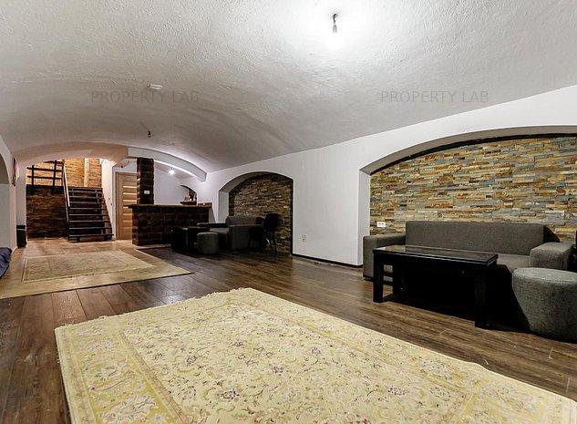 Apartament spatios pretabil pentru birou sau cabinet. - imaginea 1