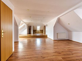 Apartament de vânzare 5 camere în Arad, Aradul Nou