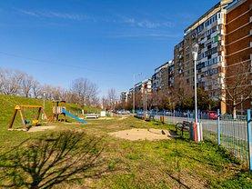 Apartament de vânzare 4 camere, în Arad, zona Malul Mureşului