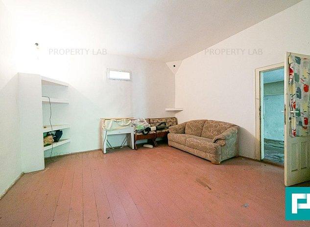 Casa cu 4 camere in Vladimirescu zona linistita - imaginea 1