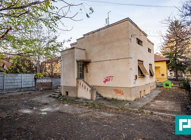 Vila cu potential in zona Romanilor - imaginea 1