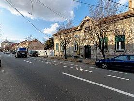 Casa de închiriat 7 camere, în Arad, zona Central